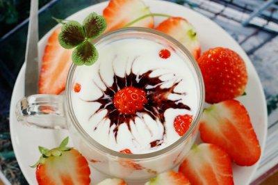 自制双莓酸奶