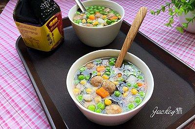 豌豆粒粒丸子汤
