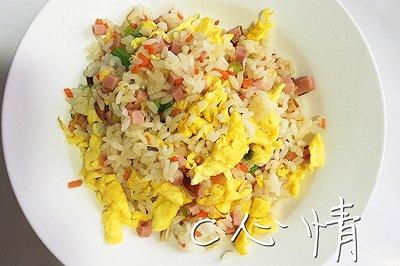 营养早餐:火腿蛋炒饭