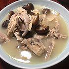 中式料理:猪肚炖鸡汤