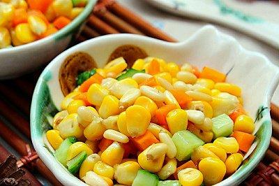 孩子爱吃的松仁玉米
