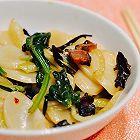 家常菜:木耳腊肉炒年糕