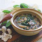 纯素蘑菇菠菜汤