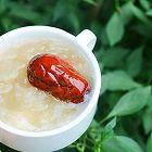 桃胶莲子百合银耳汤