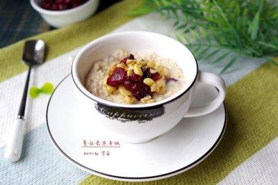 快手营养早餐:蔓越莓燕麦粥