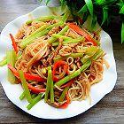 芹菜肉丝炒米线