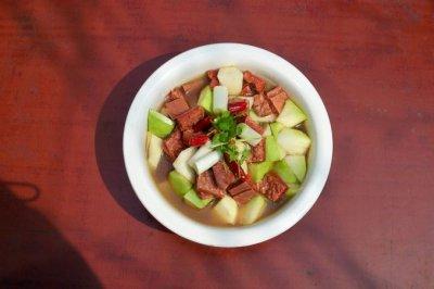 萝卜煨牛肉