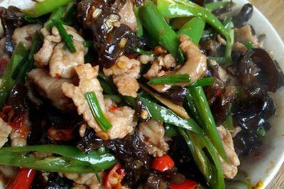 木须肉(干木耳炒肉)