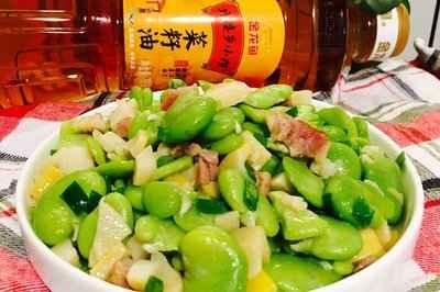 咸肉笋丁炒蚕豆仁