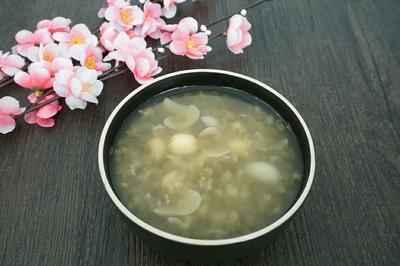 莲子百合绿豆汤