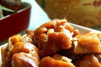 简单美味的高压锅卤猪手