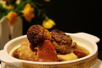 松茸火腿炖鸡汤