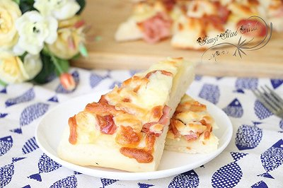 简易土豆培根香肠披萨