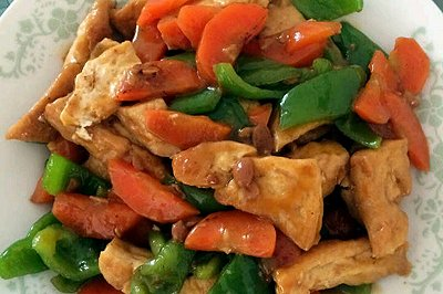 家常豆腐(胡萝卜青椒)