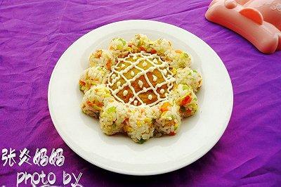 卡通造型饭蛋炒饭