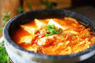 韩式辣白菜豆腐火锅