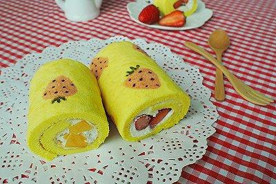 手绘草莓蛋糕卷