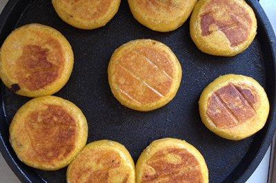 豆沙馅的南瓜饼