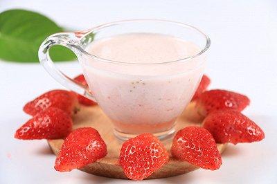 夏日良饮冰爽草莓奶昔
