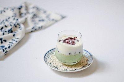 抹茶酸奶能量杯