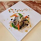 香煎海鲈鱼佐三色菜泥