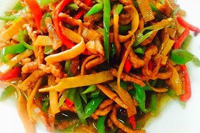 辣椒炒肉丝(三丝烩)