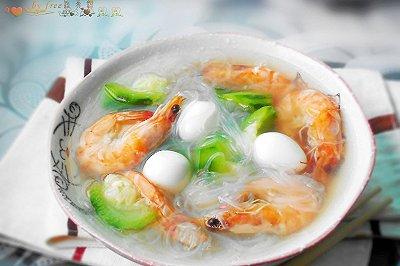 鲜虾粉丝滚鹌鹑蛋