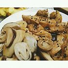 日式沙拉汁鸡肉佐菌菇