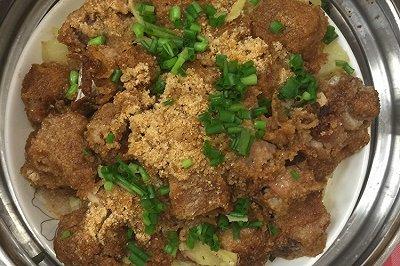 粉蒸排骨土豆