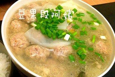 清淡鲜香肉丸汤