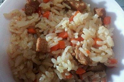 胡萝卜肉丁饭