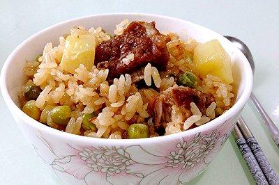 时节夏至的豌豆排骨糯米饭