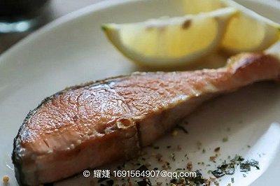 健康下酒菜 盐煎秋鲑鱼