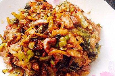 酸菜炒五花肉