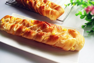 玉米沙拉面包条