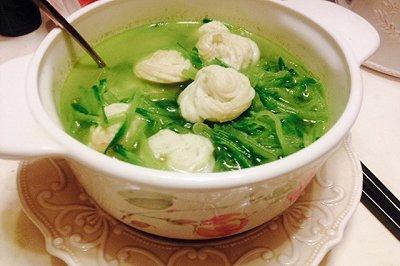 减肥餐菜谱水果萝卜丝鱼丸汤