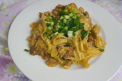 腐竹焖猪肉