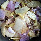 洋葱土豆肉片烩