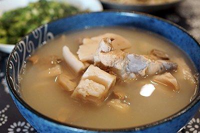 莲藕猪骨汤