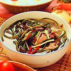瘦身食谱:木耳海带肉片汤