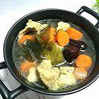 美味滋补的胡萝卜海带排骨汤