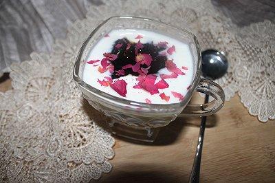 自制养生玫瑰酸奶