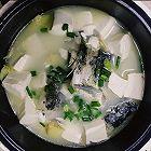 奶白豆腐鲫鱼汤