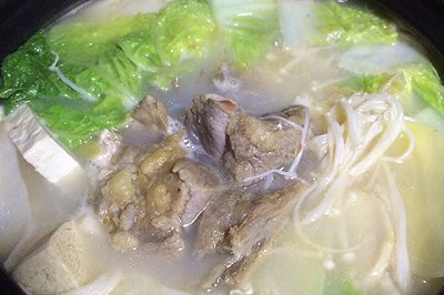 腊排骨砂锅