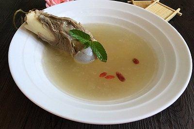 清炖大骨头汤