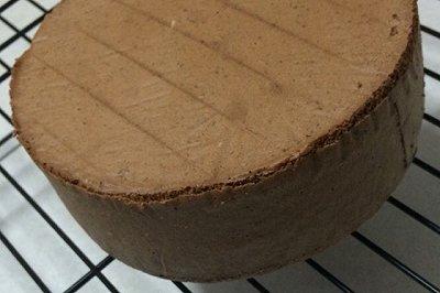 不易消泡的巧克力海绵蛋糕