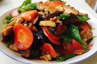香菇胡萝卜炒肉