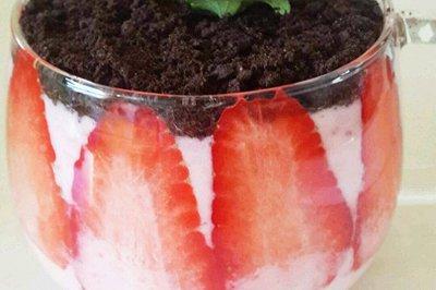草莓味酸奶盆栽