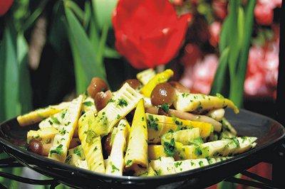 荠菜炒春笋蟹味菇
