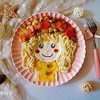 可爱的花环娃娃创意面条